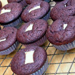 Black and White Chocolate Cupcakes