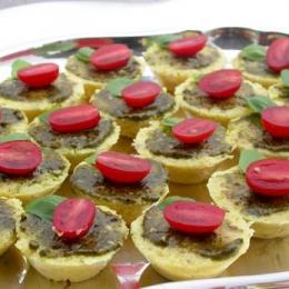 Cheesy Polenta Tartlets with Pesto and Fresh Tomatoes