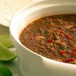 Chilli Con Carne and Condiments