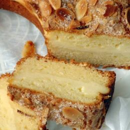 Cream Cheese Cake with Almonds