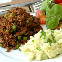 Savoury Mince on Cauli and One Potato Mash