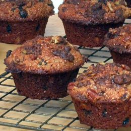 Streusel Topped Muffins with Pecan Nuts