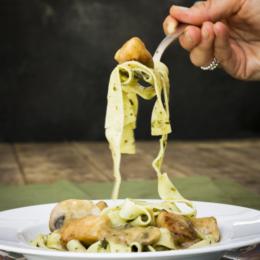 Mushroom Chicken with Pasta_low