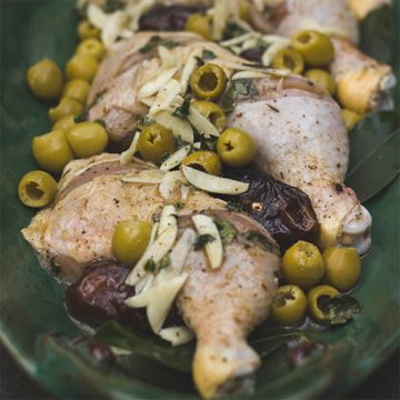 Chicken with Dates and Olives