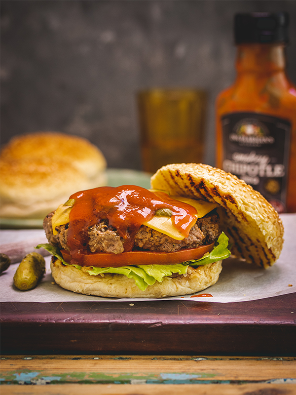 Smash Burgers with Chipotle Sauce