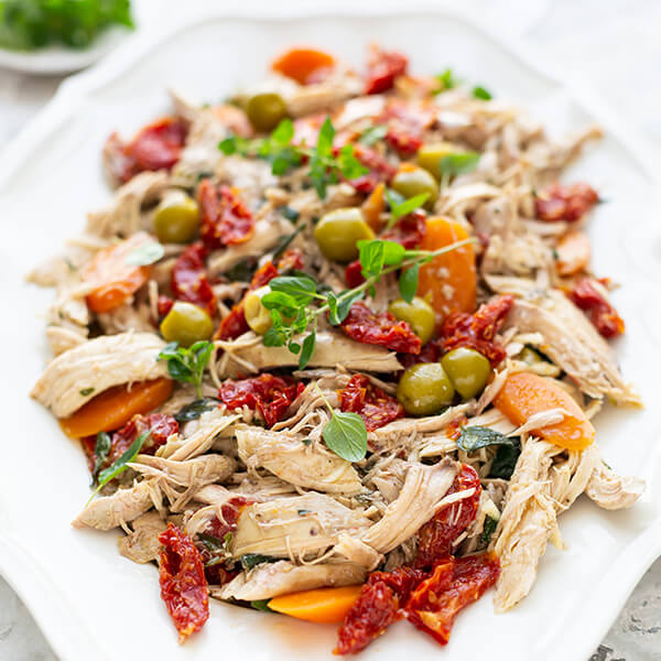 Mediterranean Chicken with Sun-dried Tomatoes and Olives