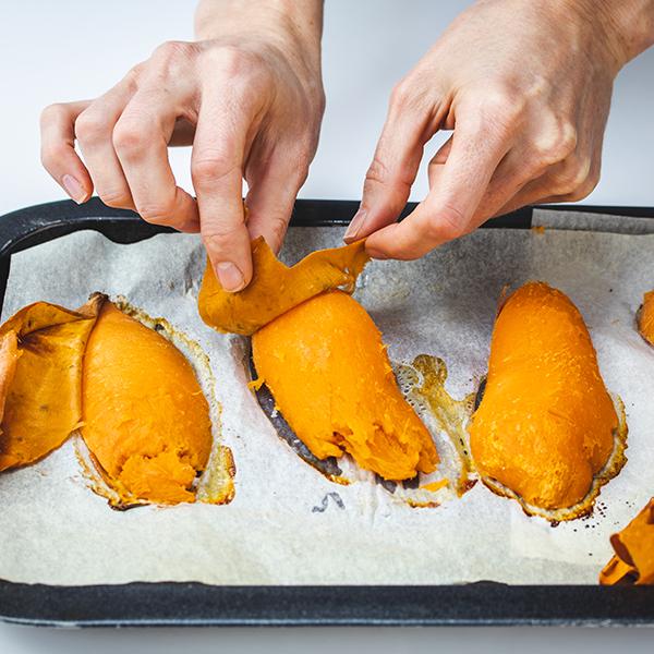 Peeling baked sweet potatoes