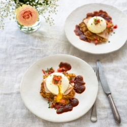 Poached Eggs on Rosti with Ham and Chipotle Sauce